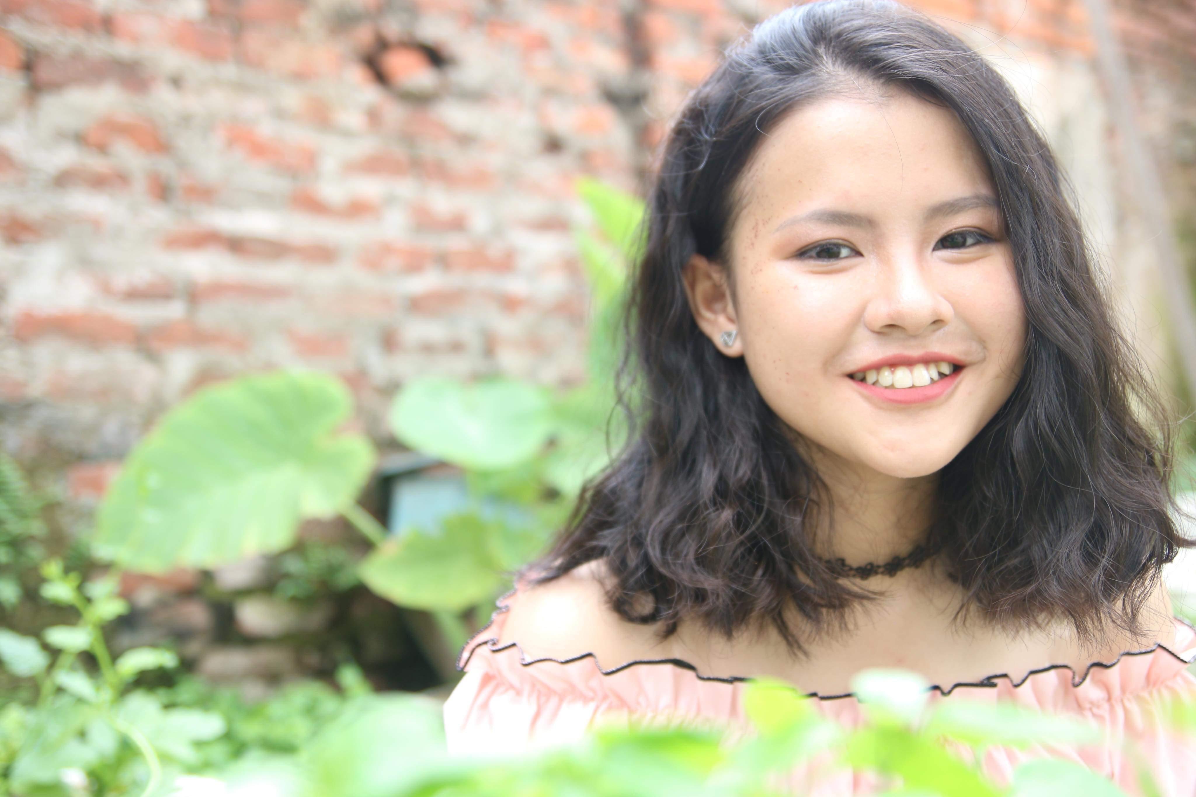 Em Trần Thùy Dương – Học sinh Trường THPT Phan Huy Chú – Đống Đa – Hà Nội: